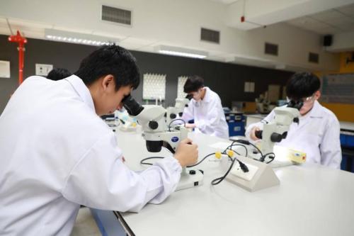 KMIDS Science Lab 8